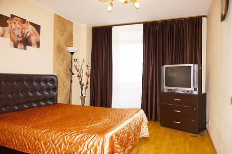 Сдается 2-комнатная квартира посуточно в Екатеринбурге, улица Щорса, 103.