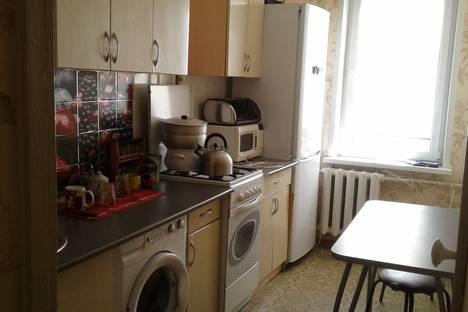 Сдается 1-комнатная квартира посуточно в Нижнекамске, проспект Химиков, 66А.