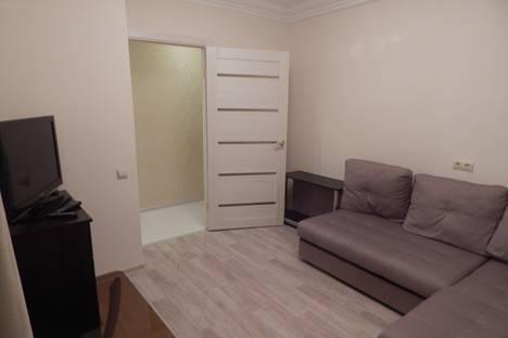 Сдается 2-комнатная квартира посуточно в Керчи, улица Горбульского, 22.