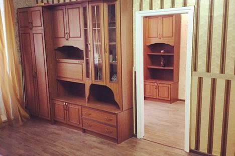 Сдается 2-комнатная квартира посуточно в Саратове, набережная Космонавтов, 3.