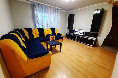 Сдается 3-комнатная квартира посуточно в Жлобине, 17-й микрорайон, 32.