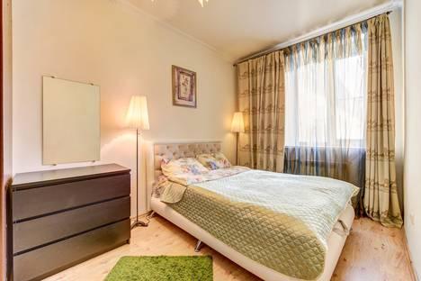 Сдается 3-комнатная квартира посуточно в Санкт-Петербурге, Невский проспект, 113.