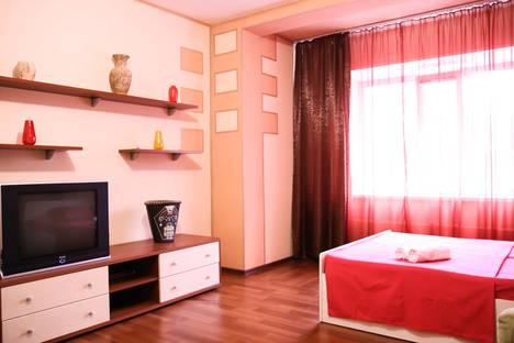Сдается 1-комнатная квартира посуточно в Сургуте, улица Профсоюзов, 12.