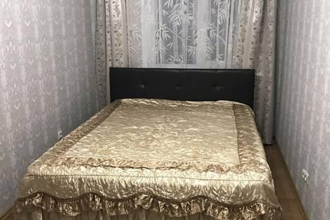 Сдается 2-комнатная квартира посуточно в Керчи, улица Айвазовского, 12.