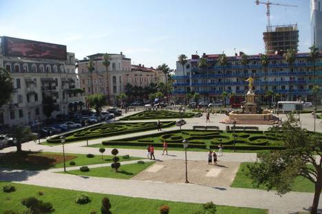 Сдается 3-комнатная квартира посуточно, Batumi, Konstantine Gamsakhurdia Street, 9.