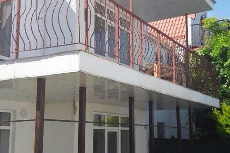 Сдается коттедж посуточно в Гурзуфе, Красная улица, 16.