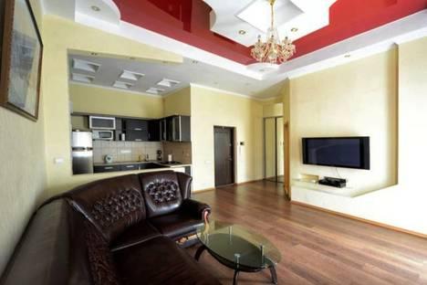 Сдается 3-комнатная квартира посуточно, улица Каблукова, 270.