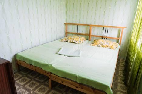 Сдается 2-комнатная квартира посуточно в Сызрани, улица Фридриха Энгельса 2.