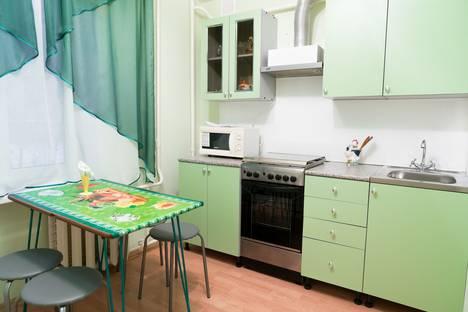 Сдается 2-комнатная квартира посуточно в Сызрани, проспект Космонавтов, 4.
