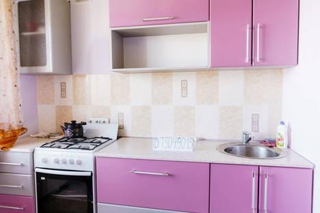 Сдается 1-комнатная квартира посуточно в Сызрани, улица Астраханская, 25.