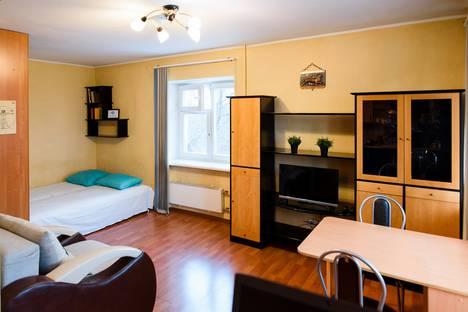 Сдается 1-комнатная квартира посуточно в Екатеринбурге, улица Фурманова, 110.