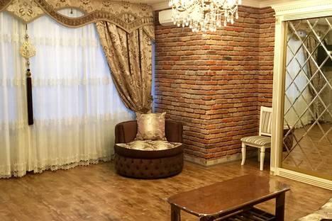 Сдается 3-комнатная квартира посуточно в Бишкеке, проспект Манаса.