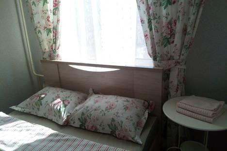 Сдается 2-комнатная квартира посуточно, улица Песчаная, 47.