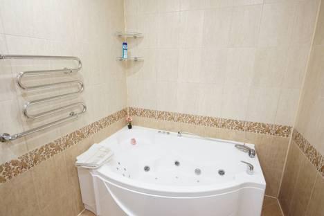 Сдается 1-комнатная квартира посуточно в Сургуте, проспект Мира 55.