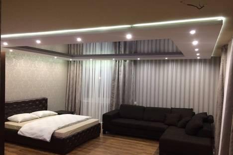 Сдается 1-комнатная квартира посуточно в Майкопе, 6-й переулок, 5.