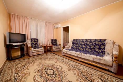 Сдается 3-комнатная квартира посуточно в Волгограде, улица Пархоменко, 19.