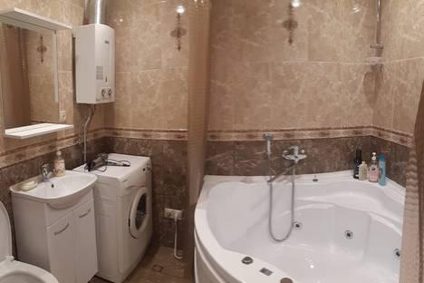 Сдается 2-комнатная квартира посуточно в Волгограде, улица Пархоменко, 19.