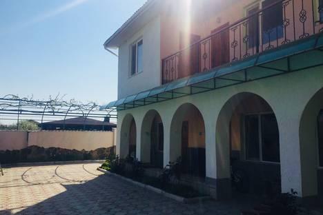 Сдается комната посуточно в Черноморском, пгт Черноморское.