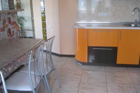 Сдается 2-комнатная квартира посуточно в Судаке, Республика Крым,ул.Айвазовского д.25а кв 93.