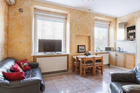Сдается 2-комнатная квартира посуточно в Москве, Смоленский бульвар, 7.