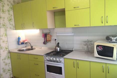 Сдается 2-комнатная квартира посуточно в Сызрани, гагарина 69.