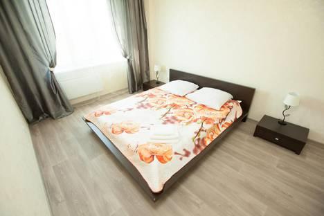 Сдается 2-комнатная квартира посуточно в Тольятти, улица Александра Кудашева, 108.