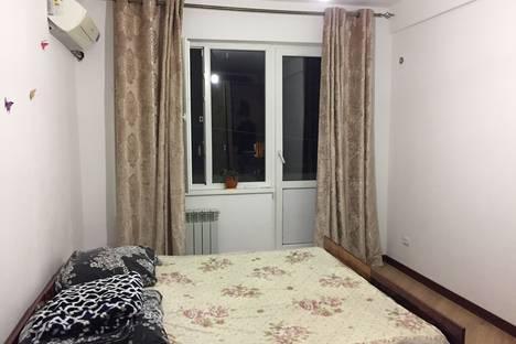 Сдается 1-комнатная квартира посуточно в Каспийске, улица Ленина, 80.