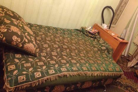 Сдается 2-комнатная квартира посуточно в Саранске, улица Володарского, 7.