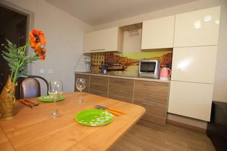 Сдается 2-комнатная квартира посуточно в Тольятти, улица 40 Лет Победы, 19Б.