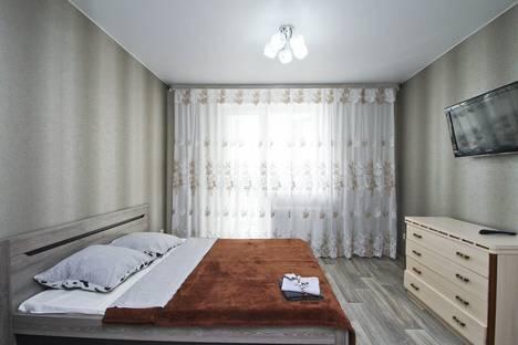 Сдается 1-комнатная квартира посуточно в Сургуте, улица Мелик-Карамова, 4/2.