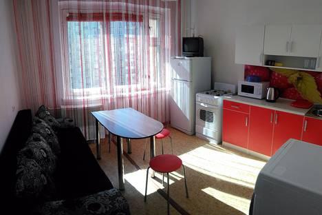 Сдается 1-комнатная квартира посуточно, улица Батова, 14.