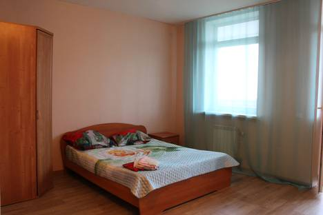 Сдается 1-комнатная квартира посуточно в Октябрьском, город Пермь,  улица Советской Армии, 72/1.