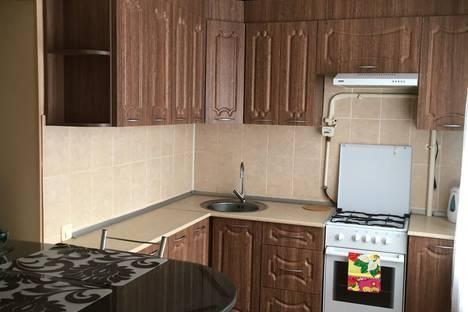 Сдается 2-комнатная квартира посуточно в Кургане, улица Пролетарская, 78.
