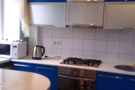 Сдается 2-комнатная квартира посуточно в Донецке, пл.Конституции 2.