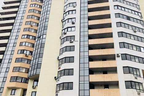 Сдается 3-комнатная квартира посуточно в Екатеринбурге, улица Радищева, 61.