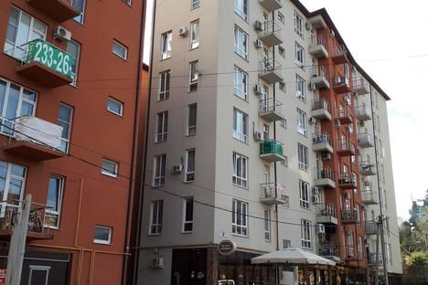 Сдается 1-комнатная квартира посуточно в Сочи, улица Крымская, 77.