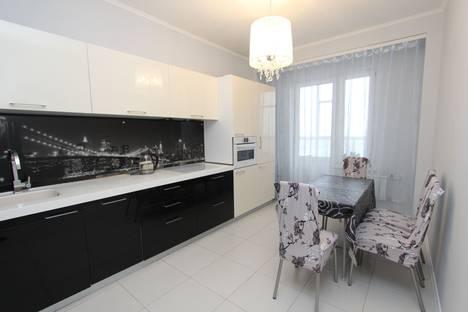 Сдается 2-комнатная квартира посуточно в Красноярске, улица Шахтеров, 44.