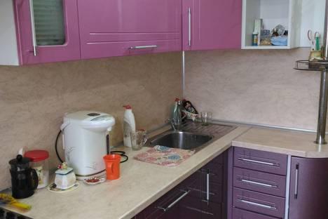 Сдается 4-комнатная квартира посуточно в Яровом, квартал В.