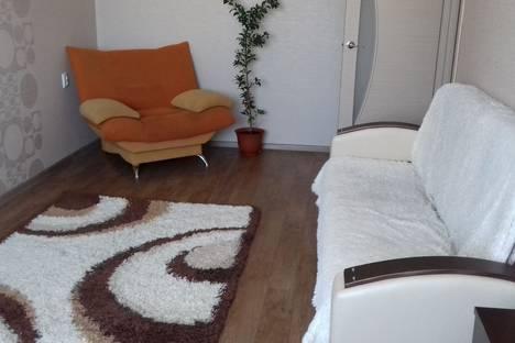 Сдается 2-комнатная квартира посуточно в Братске, улица Обручева, 32.