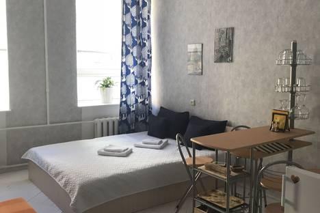 Сдается 1-комнатная квартира посуточно в Санкт-Петербурге, СПБ В.О. 2 линия 35.