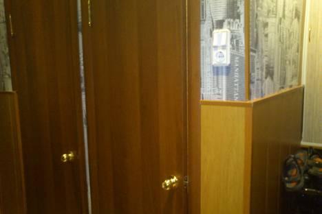 Сдается 2-комнатная квартира посуточно в Салавате, улица Ленина.
