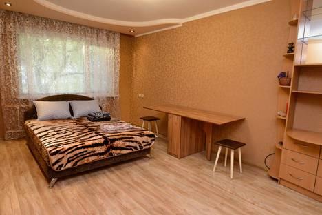 Сдается 1-комнатная квартира посуточно в Черкассах, Черкаси, вулиця Юрія Іллєнка, 23.
