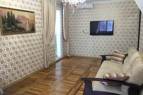 Сдается 1-комнатная квартира посуточно в Гаспре, Алупкинское шоссе, 48.
