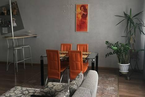 Сдается 2-комнатная квартира посуточно в Яровом, квартал Б, 1.