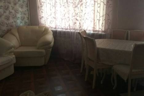Сдается 2-комнатная квартира посуточно в Армавире, Новороссийская улица, 86.