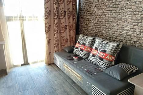 Сдается 1-комнатная квартира посуточно в Керчи, Кооперативный переулок, 5.