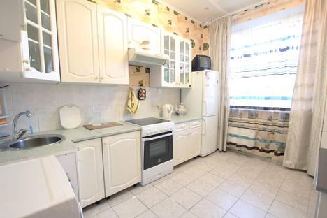 Сдается 2-комнатная квартира посуточно в Москве, Суздальская 8к1.