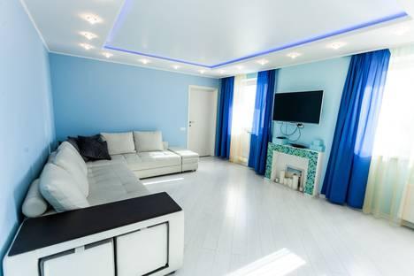 Сдается 2-комнатная квартира посуточно в Тюмени, улица Пермякова, 86.