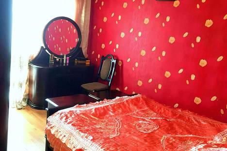 Сдается 3-комнатная квартира посуточно, Batumi, Griboedov Street 28.