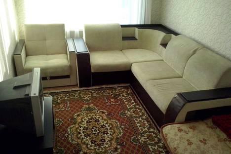 Сдается 2-комнатная квартира посуточно в Сатке, улица Бакальская, 4.